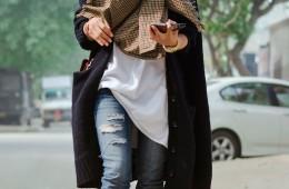 bohemian-layering-checkered-crossbodybag-winter-oversizedcardigan-streetstyle-lookbook-ootd-blogger-whatiwore-rippedjeans.jpg