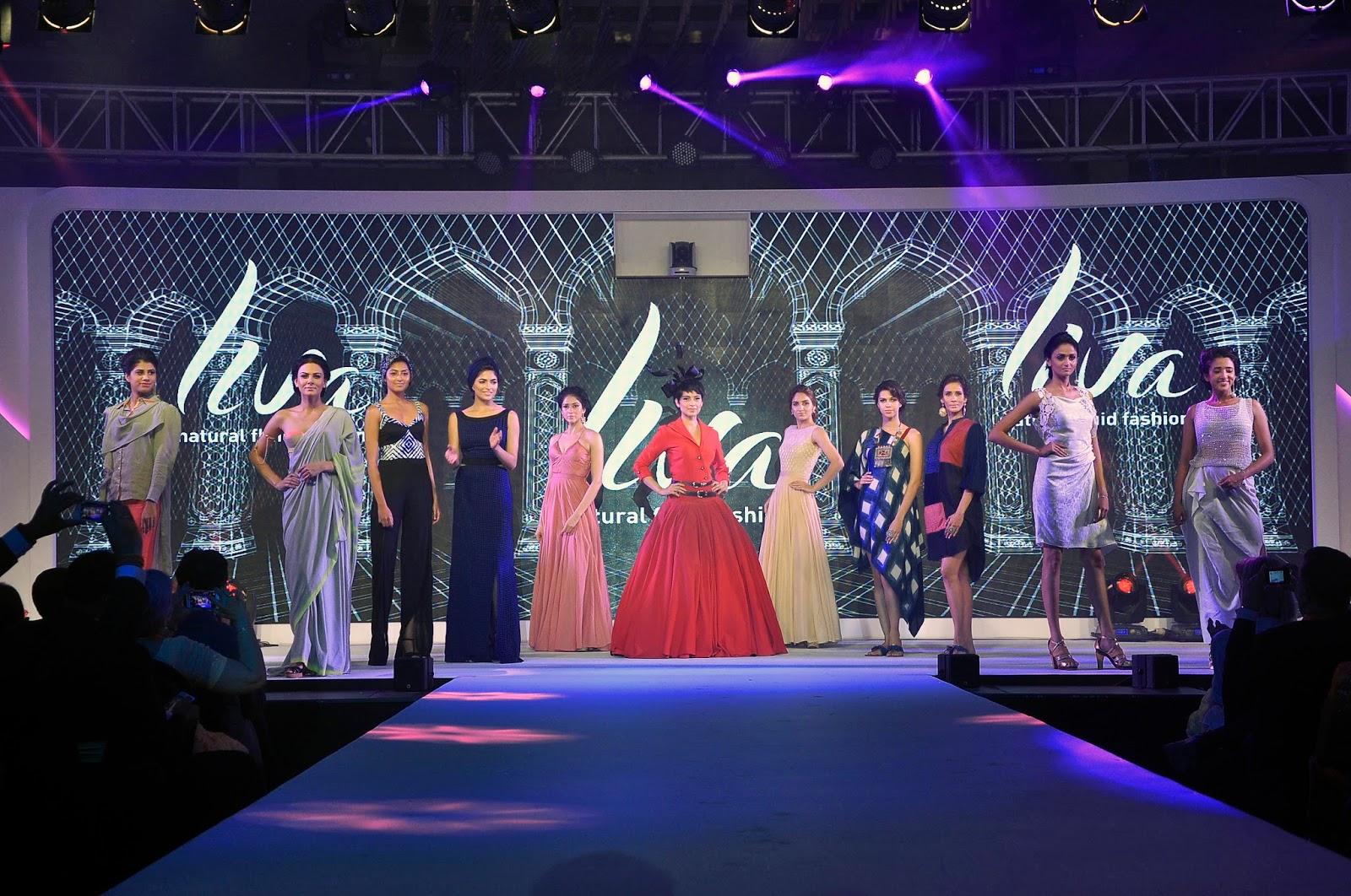 Kangana Ranaut walks the ramp with other models donninf LIVA, the new age fluid fabric