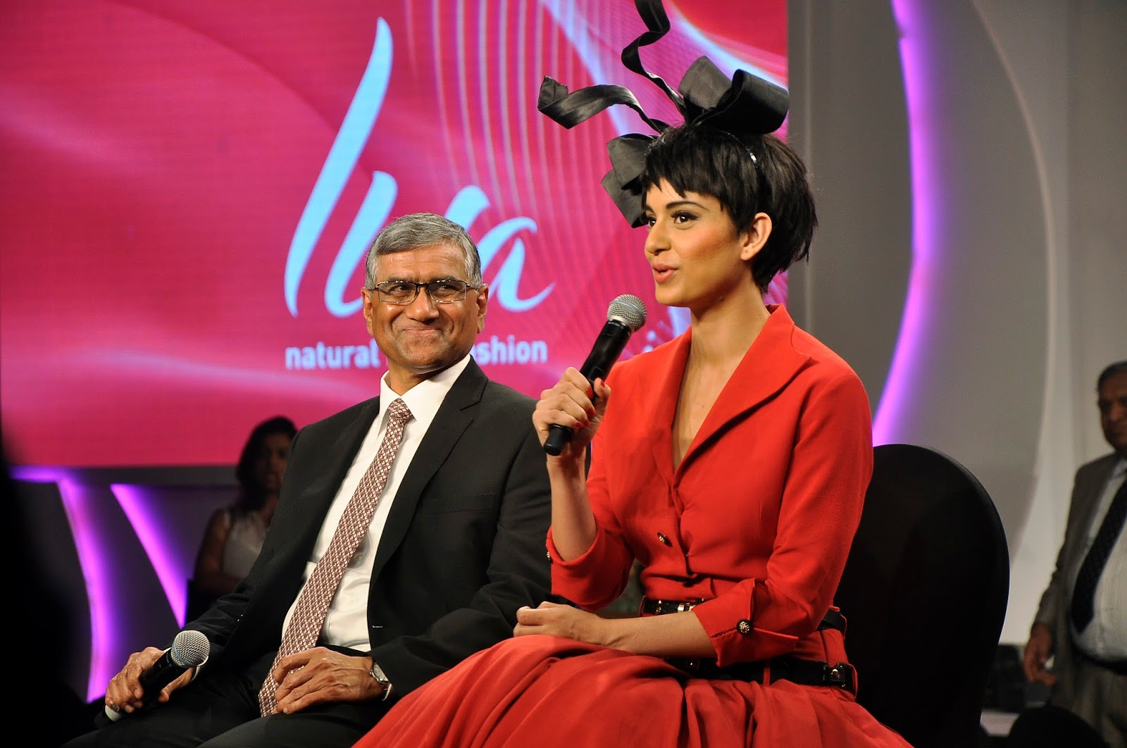 Mr K.K. Maheshwari, Managing Director - Grasim Industries and Group Director - Textiles and Kangana Ranaut briefing the media on the launch of LIVA