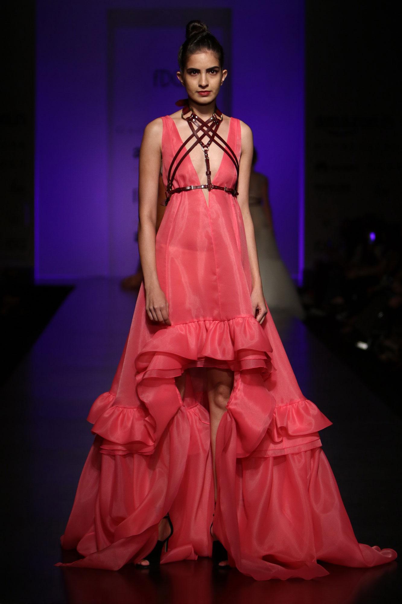Is Anushka Sharma's clothing line NUSH a SHAM? PINKVILLA Gauri and nainika fashion designers