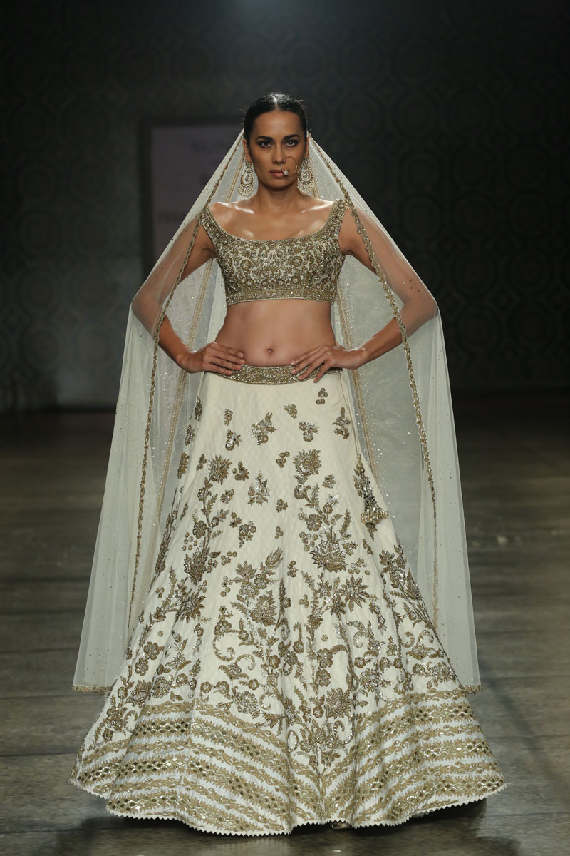 Collection by Rimple & Harpreet Narula  (4) at FDCI India Couture Week 2016