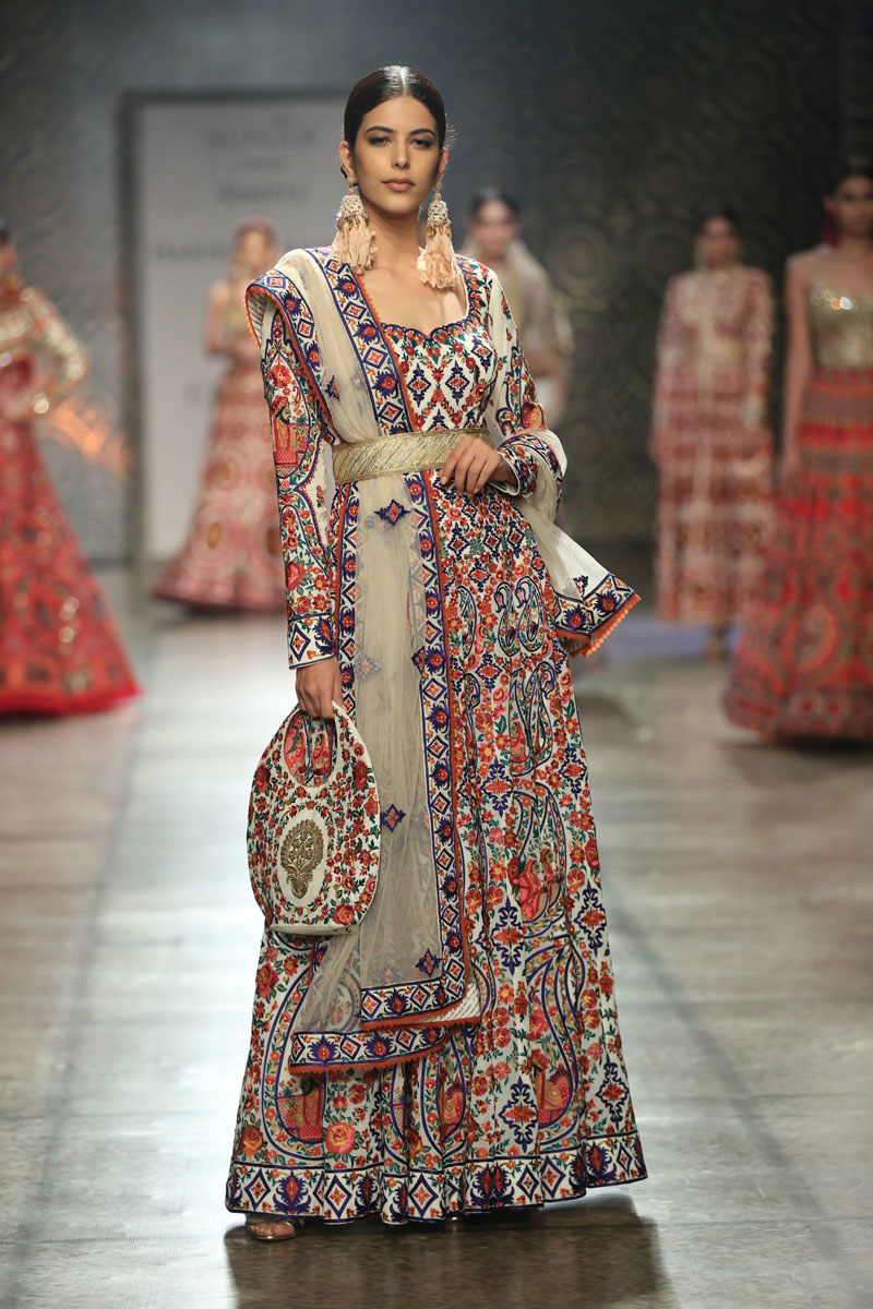 Collection by Rimple & Harpreet Narula  (7) at FDCI India Couture Week 2016