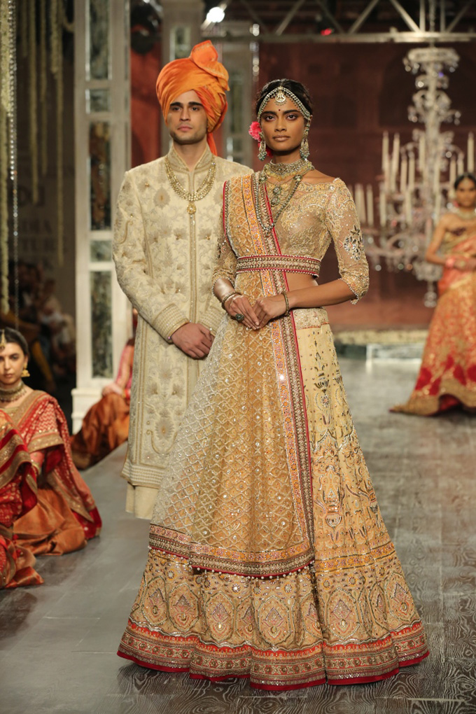 Day 2 FDCI India Couture Week 2016 Tarun Tahiliani 18