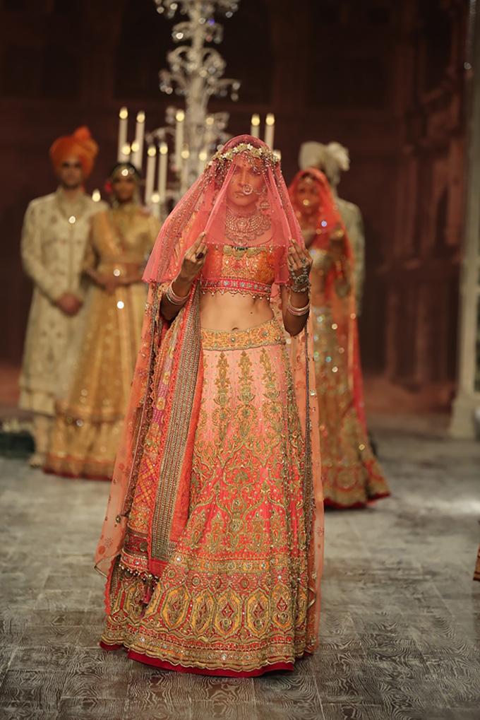 Day 2 FDCI India Couture Week 2016 Tarun Tahiliani 20