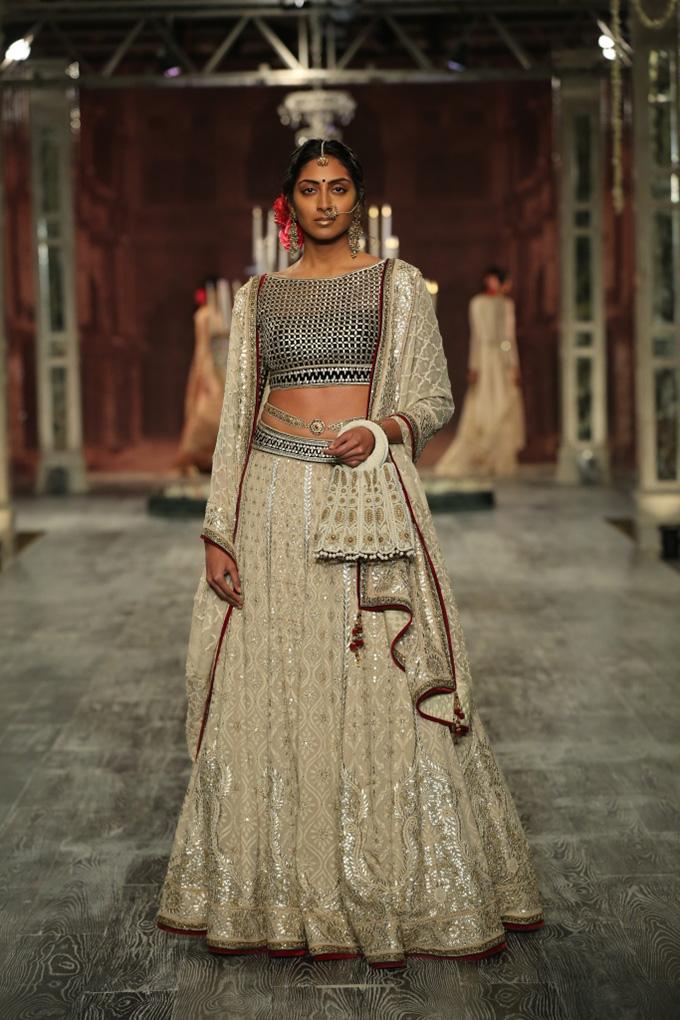 Day 2 FDCI India Couture Week 2016 Tarun Tahiliani 3