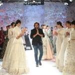 Designer-Rahul-Mishra-presented-Monsoon-Diaries---(8)-@-FDCI-India-Couture-Week-2016
