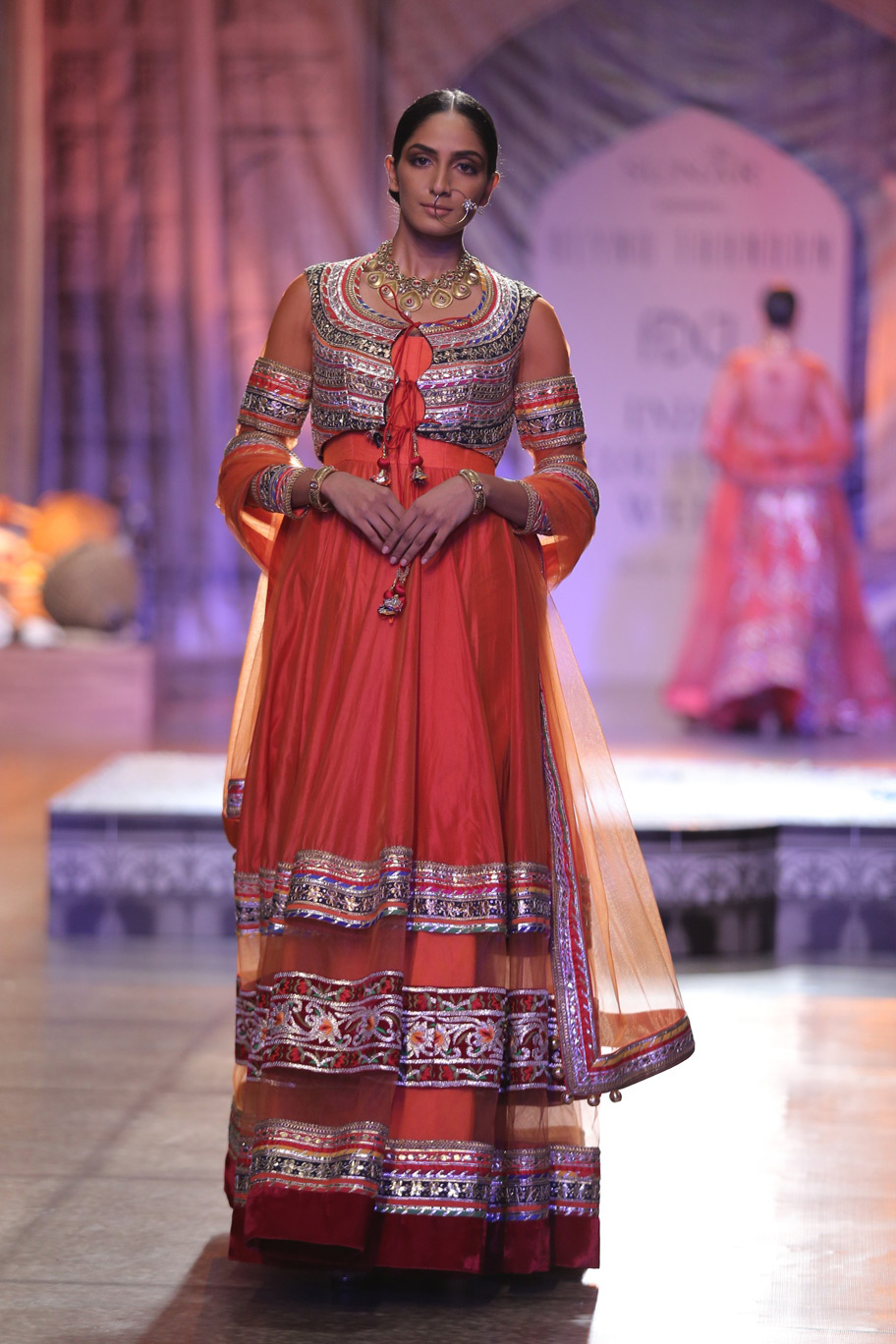 KAMANGIRI-By-Reynu-Taandon-In-Association-with-SUNAR-@-India-Couture-Week-16-(1)