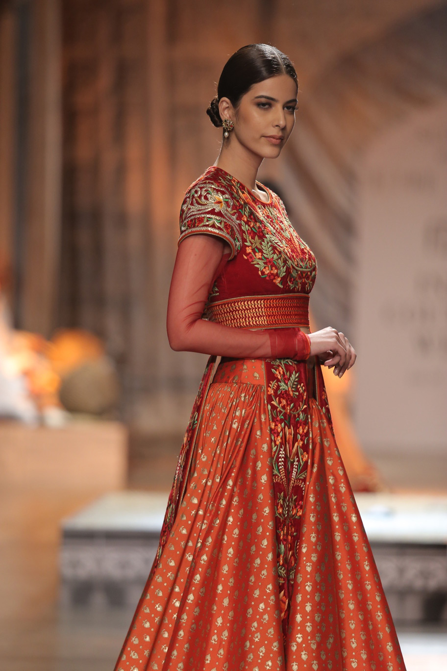 KAMANGIRI-By-Reynu-Taandon-In-Association-with-SUNAR-@-India-Couture-Week-16-(21)