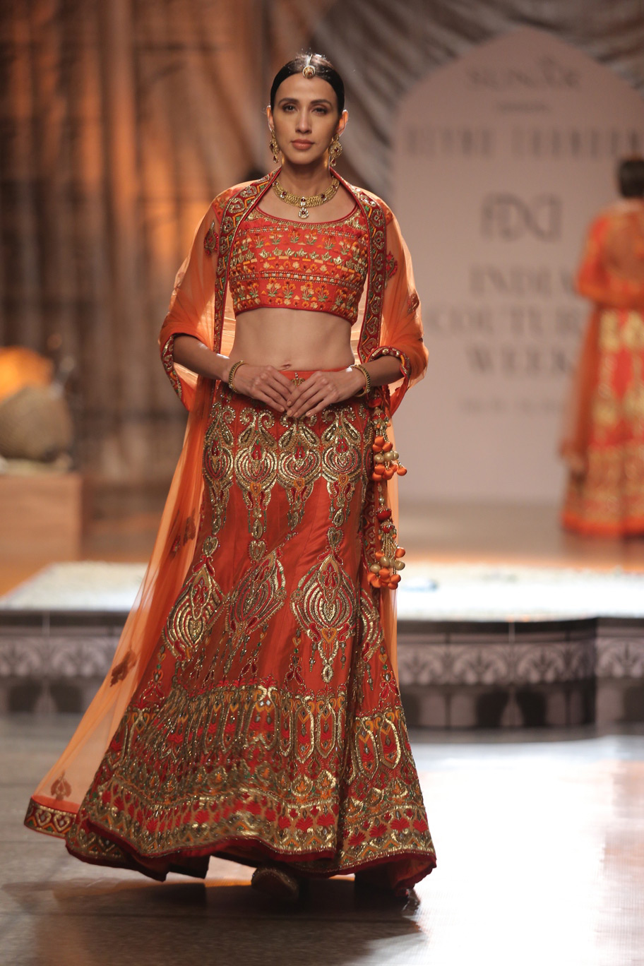 KAMANGIRI-By-Reynu-Taandon-In-Association-with-SUNAR-@-India-Couture-Week-16-(26)