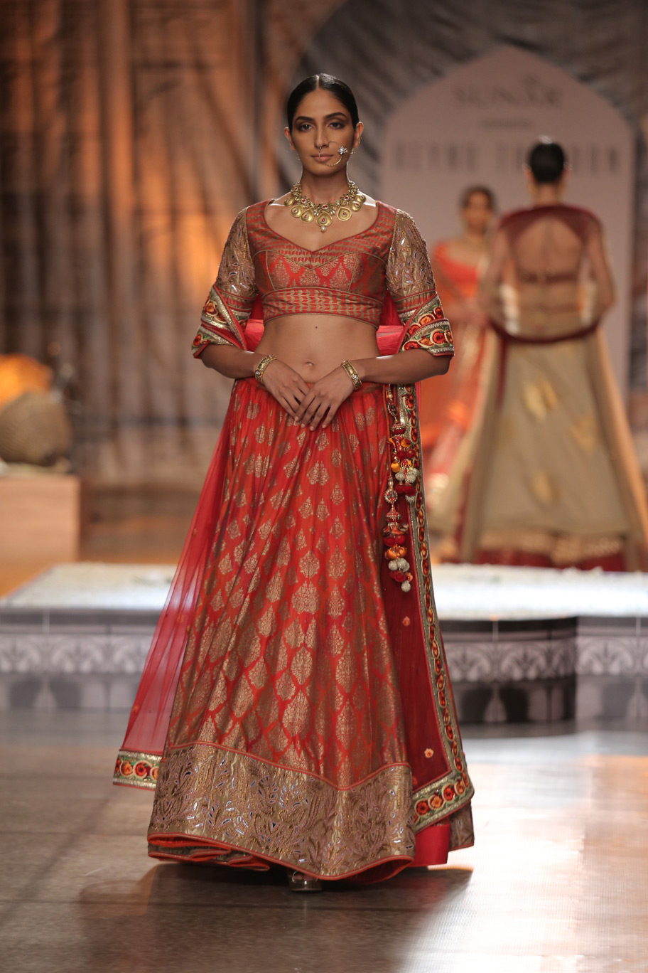 KAMANGIRI-By-Reynu-Taandon-In-Association-with-SUNAR-@-India-Couture-Week-16-(9)
