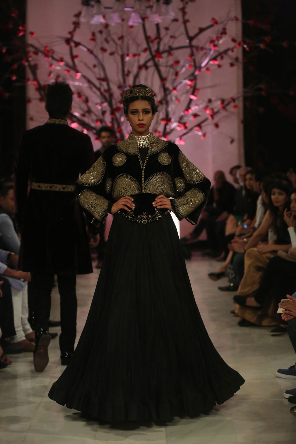 KEHKASHAAN-By-Rohit-Bal-@-FDCI-India-Couture-Week-2016-(4)