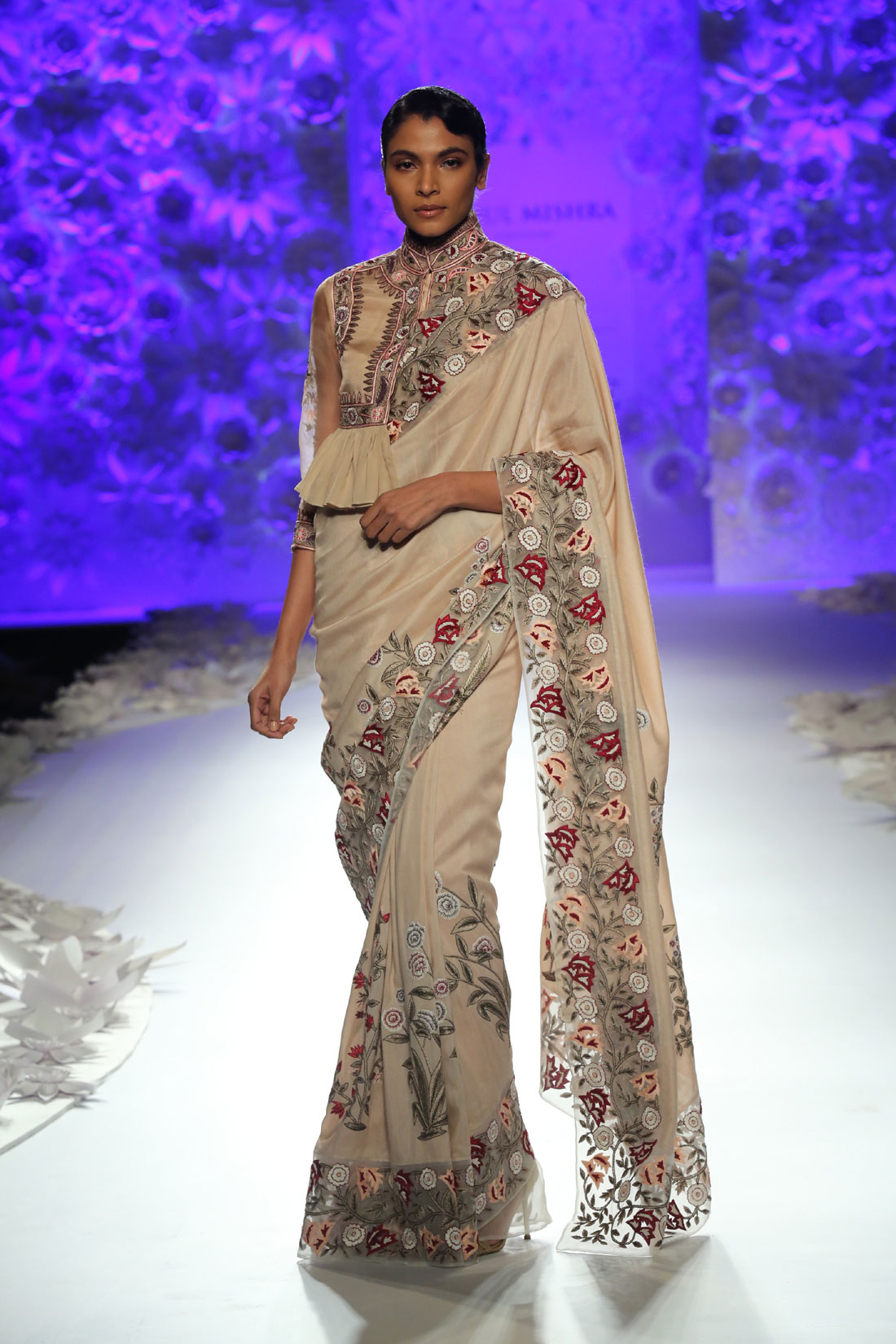 Monsoon-Diaries-by-Rahul-Mishra--(2)-@-FDCI-India-Couture-Week-2016