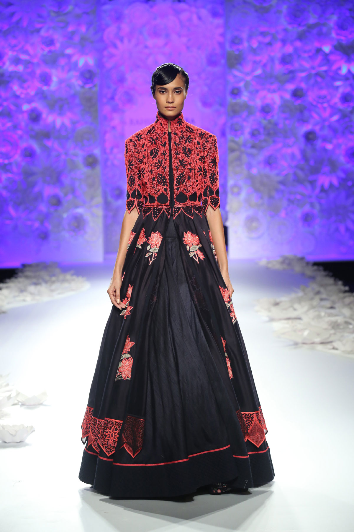 Monsoon-Diaries-by-Rahul-Mishra--(3)-@-FDCI-India-Couture-Week-2016