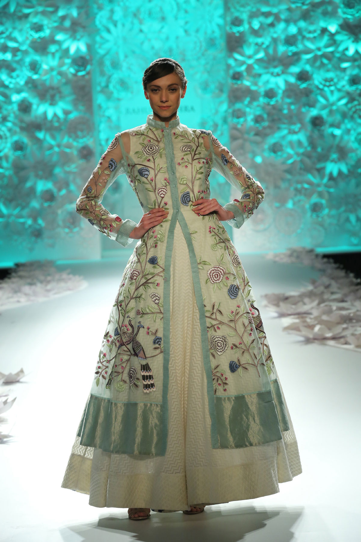 Monsoon-Diaries-by-Rahul-Mishra--(4)-@-FDCI-India-Couture-Week-2016