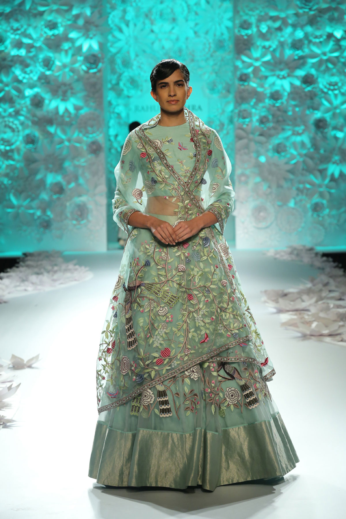 Monsoon-Diaries-by-Rahul-Mishra--(5)-@-FDCI-India-Couture-Week-2016